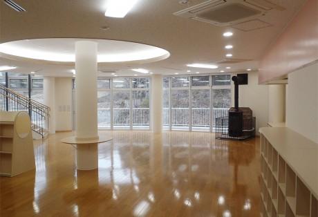 上野村小学校図書館
